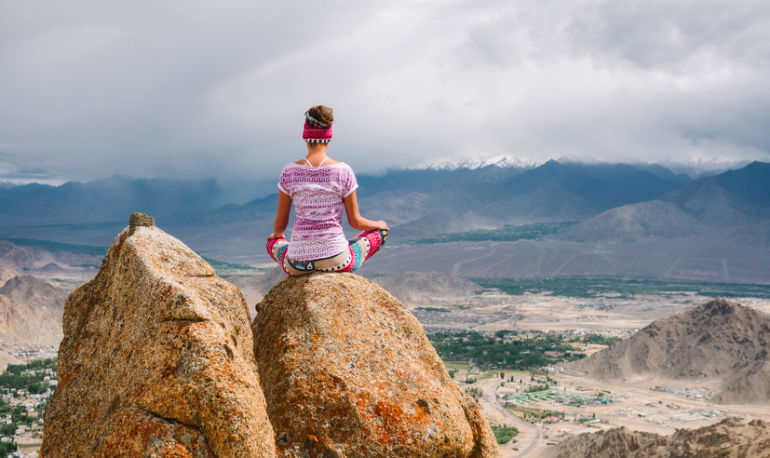 A 3-Minute Meditation For Inner (And World) Peace Hero Image