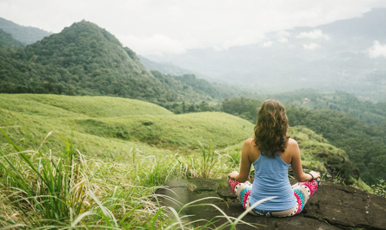 How To Maintain Your Meditation Practice While Traveling Hero Image