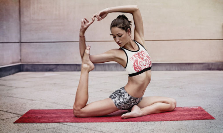 10-Minute Yoga Sequence To Revive Your Energy Hero Image