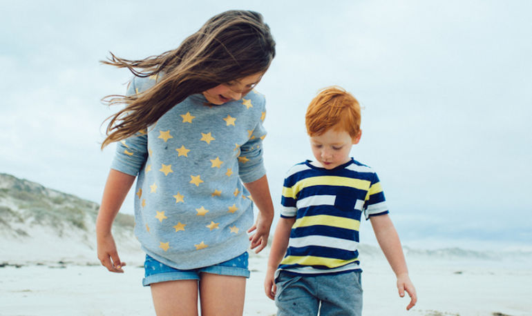 The 10-Minute Trick You Can Use To Raise Happy, Grateful Kids Hero Image