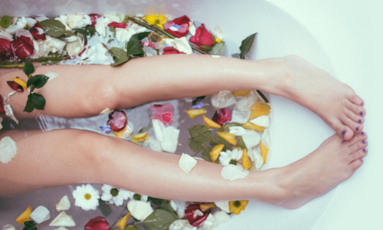 This Healing Bath Is The Only Thing Missing From Your Weekly Routine Hero Image
