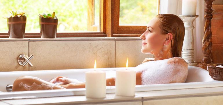 Why Everyone Should Try An Epsom Salt Bath Hero Image
