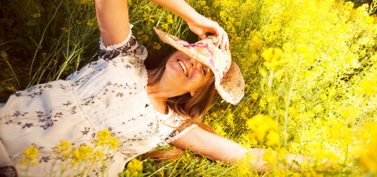 5 Holistic Ingredients To Look For When Relieving Spring Allergies Hero Image
