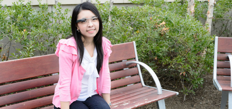 """First Person Treated For """"Google Glass Addiction"""" Hero Image"""