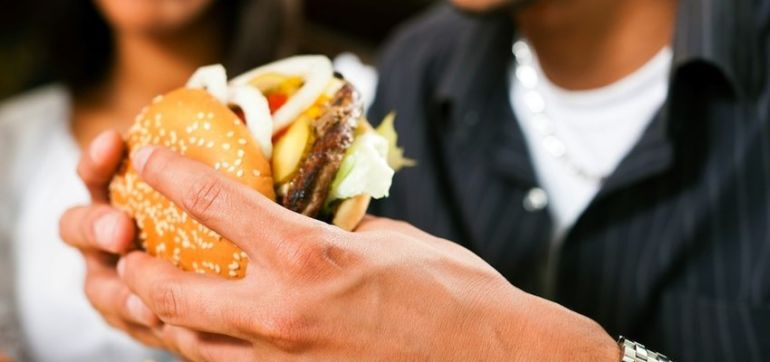 Why You're Binge Eating + How To Finally Stop Hero Image