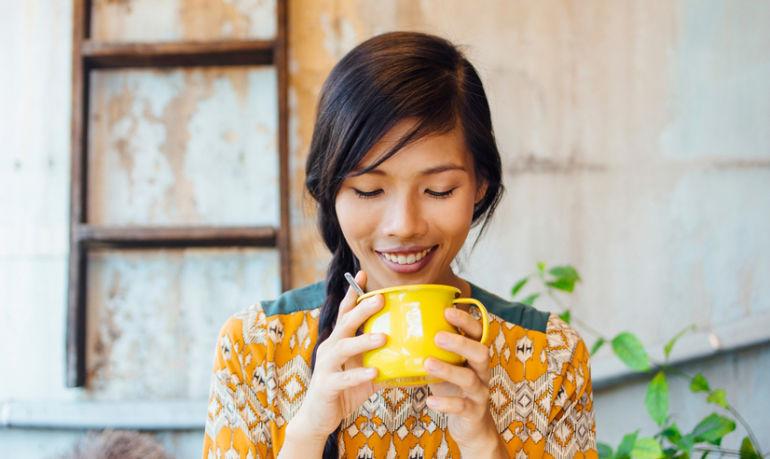 7 Healing Elixirs For Balanced Hormones & Glowing Skin Hero Image