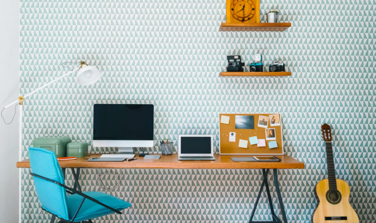 How To Avoid The Most Common Decluttering Mistake: Professional Organizers Weigh In Hero Image