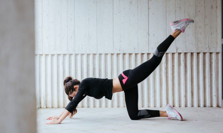 8 Moves For A Total Body Workout You Can Do Anywhere Hero Image