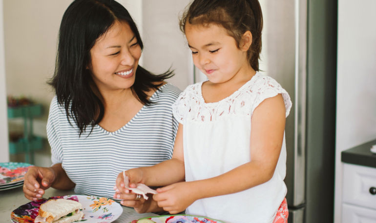 7 Habits Of Parents Who Have Kids With Good Manners Hero Image