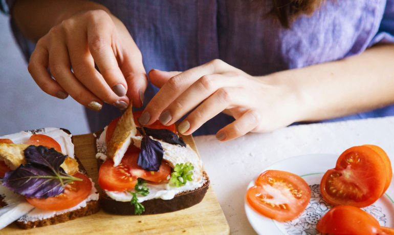 Are You A Vegetarian Or Vegan Curious About Trying Meat? Here's What You Need To Know Hero Image