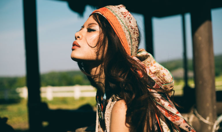 How To Know If You're Ignoring Your Intuition: A Psychic Explains Hero Image