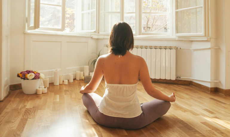 How I Fit Meditation Into My Life As A New Mom Hero Image