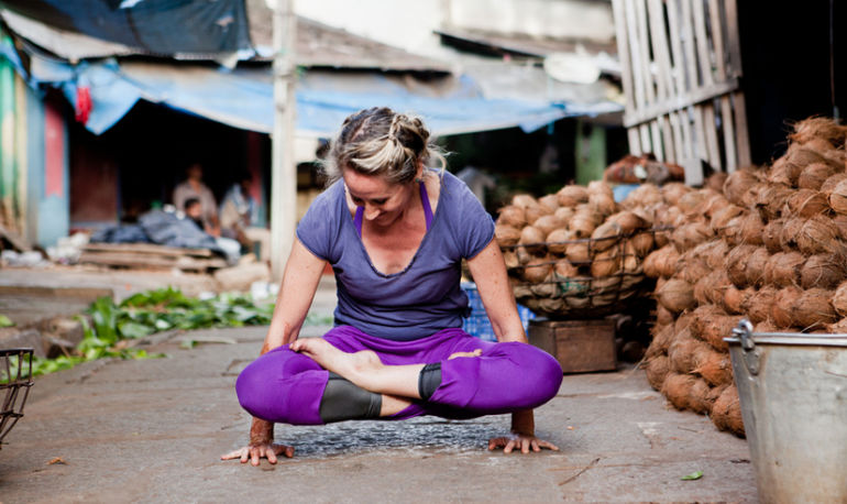 How To Use Yoga To Detox Your Gut Hero Image