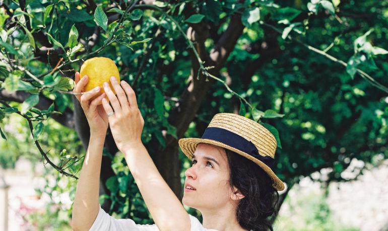 A DIY Perfume That'll Make You Smell Like Sunshine Hero Image
