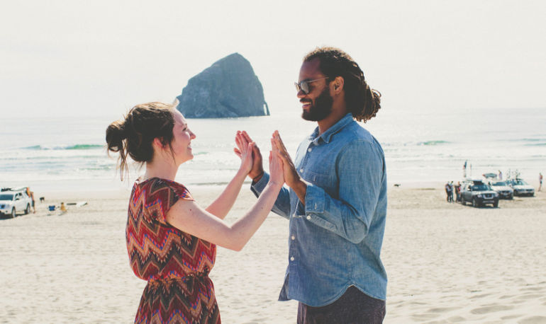 The Secrets To ACTUALLY Making A Long-Distance Relationship Work Hero Image
