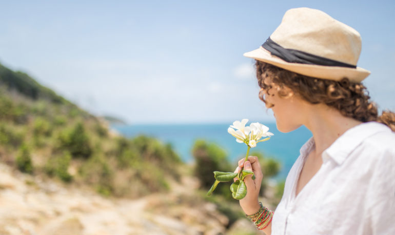 The Sneaky Ways Scent Is Affecting Your Daily Life Hero Image