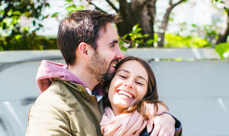 Your Spring Dating Checklist: 6 Secrets To Getting Back In The Groove Hero Image
