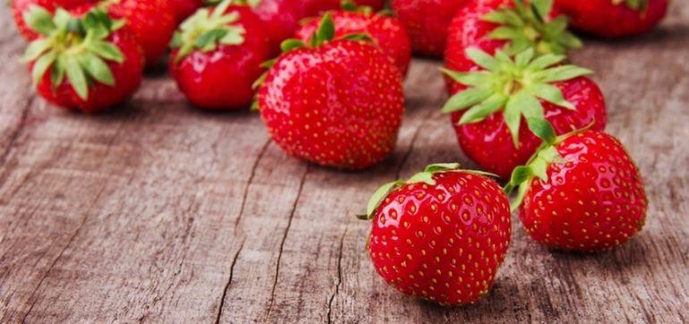 The 6 Best In-Season Fruits & Veggies To Buy For Spring Hero Image