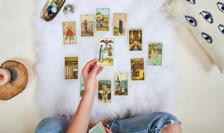 Here's What Happened When I Did Exactly What My Tarot Cards Told Me To Hero Image