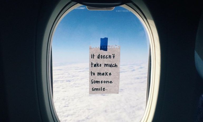 This American Airlines Flight Attendant Inspires Her Passengers With Tiny Window Notes Hero Image