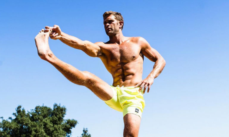 This Workout Is All You Need To Get Strong, Toned Legs — And It Takes Only 3 Minutes Hero Image