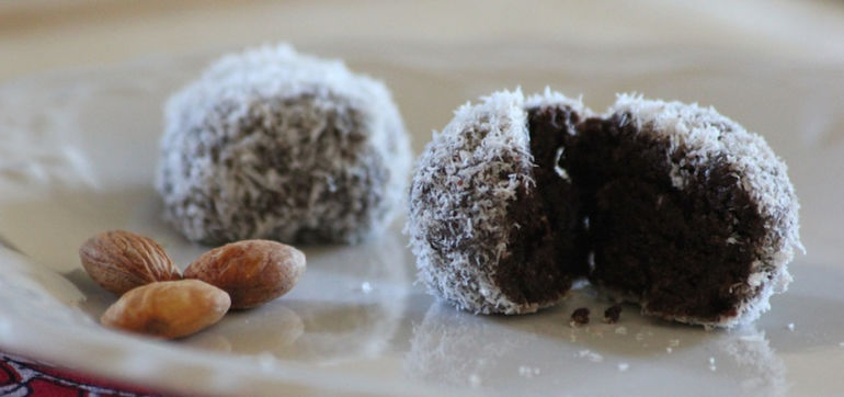 Superfood Snack: Raw Cacao Maca Truffles Hero Image