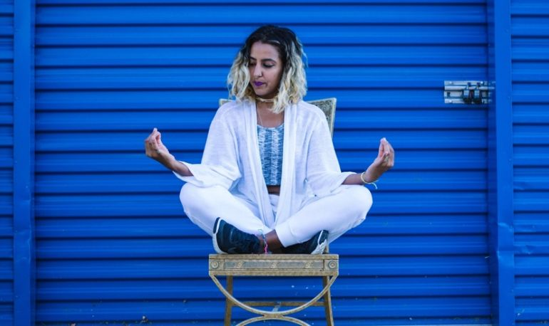 30 Signs You're Benefiting From Meditation, Even If It Feels Like You're Not Hero Image