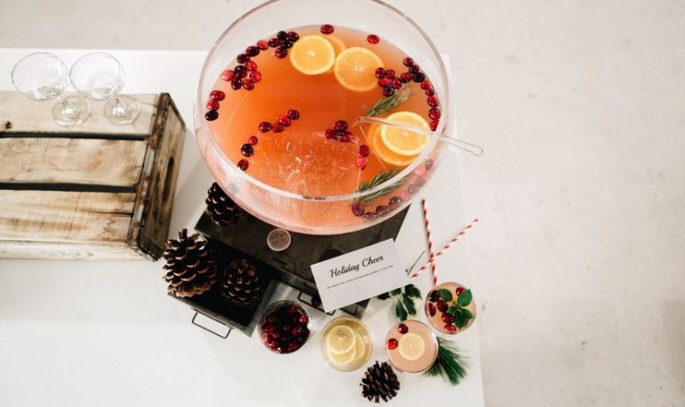 Not Drinking This Holiday? 5 Genius Strategies For Navigating The Party Circuit Hero Image