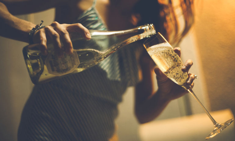 The Surprising Health Benefit Of Drinking Champagne Hero Image