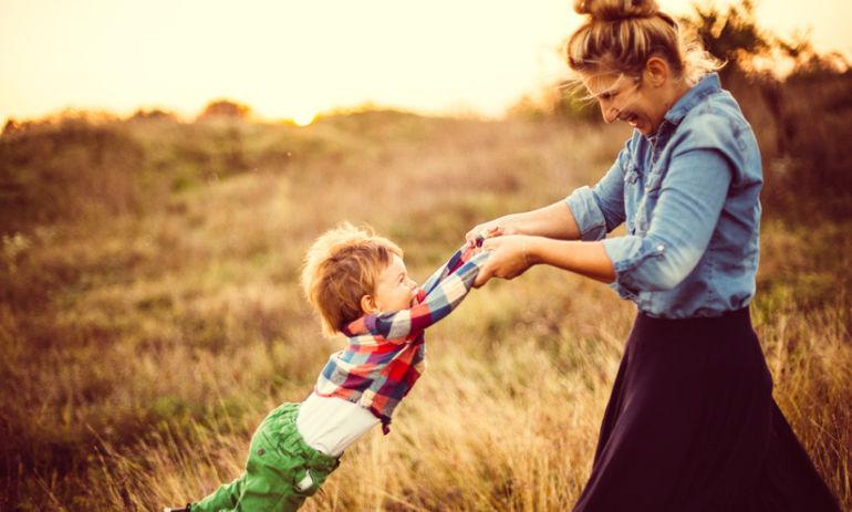 """I'm A Mom + I Don't Want My Pre-Baby Body """"Back"""" Hero Image"""