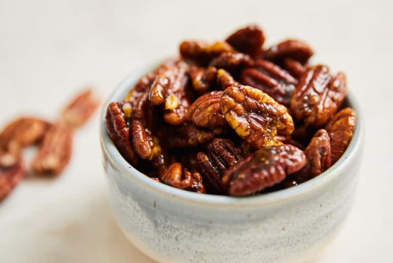 Turmeric-Spiked Candied Maple Pecans Are The Ultimate Anti-Inflammatory Holiday Treat