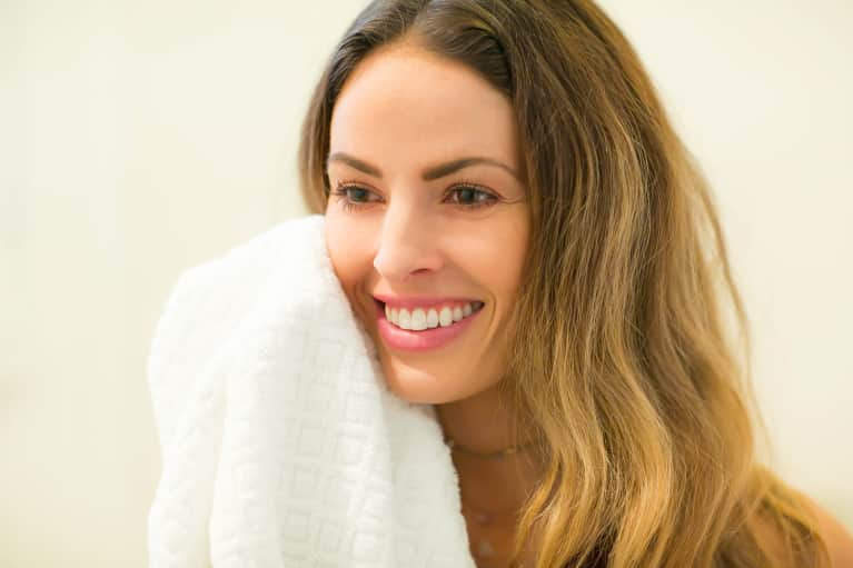 6 Tips For Clear, Smooth, Glowing Skin: A Holistic Nutritionist Explains