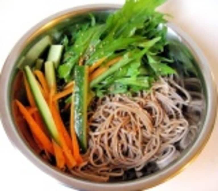 Korean Summer Noodles With Spicy, Sweet & Vinegary Sauce (Bibim Guksu)