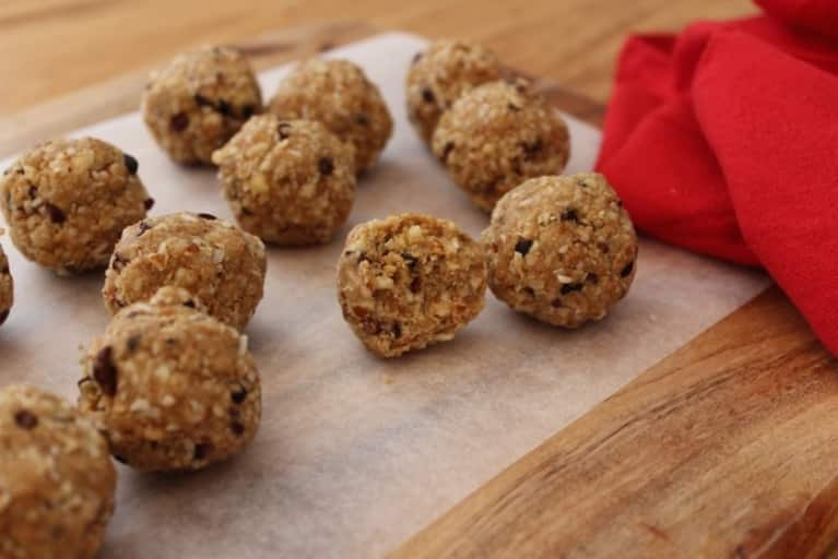 13 Snacks For Clean Plant-Based Protein