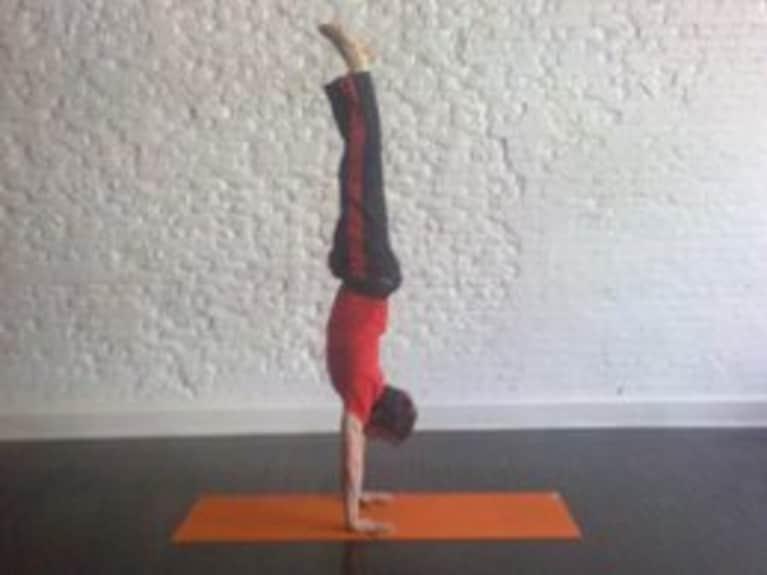 Handstand: How-to, Tips, Benefits