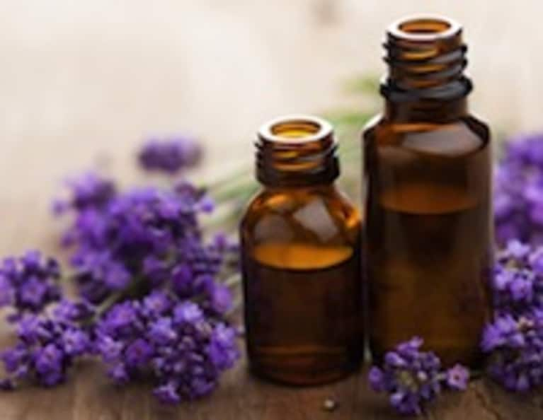 3 Ways To Improve Your Mood With Essential Oils