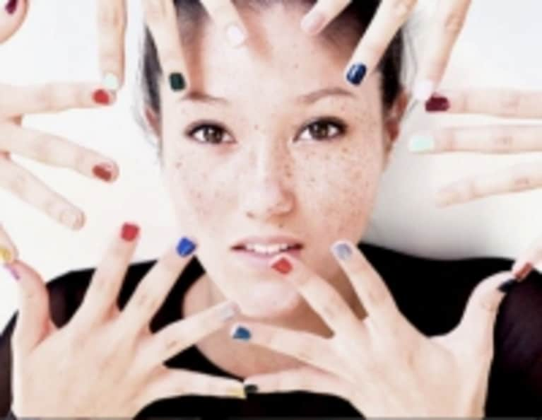 4 Remedies for Healthy & Vibrant Summer Nails