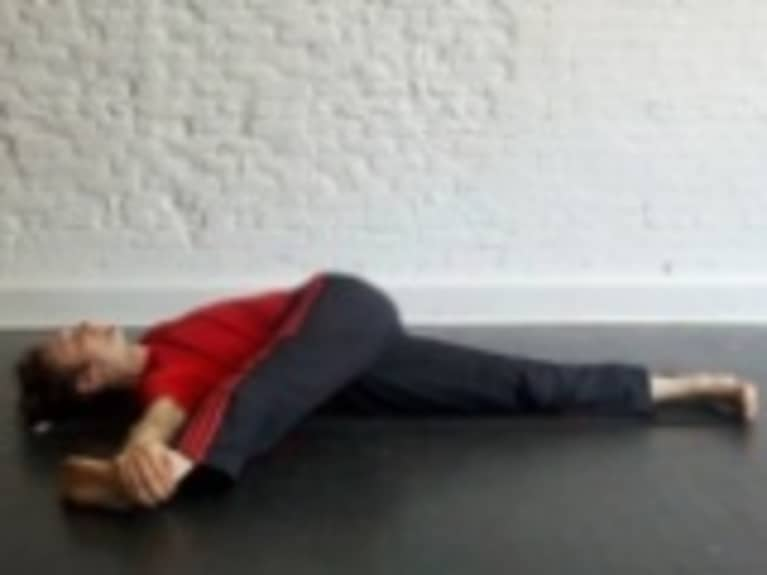 Reclining Single Leg Twist: How-to, Tips, Benefits