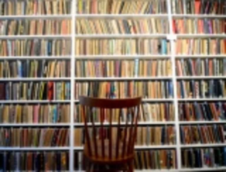 Decluttering Tips: Being Book Smart