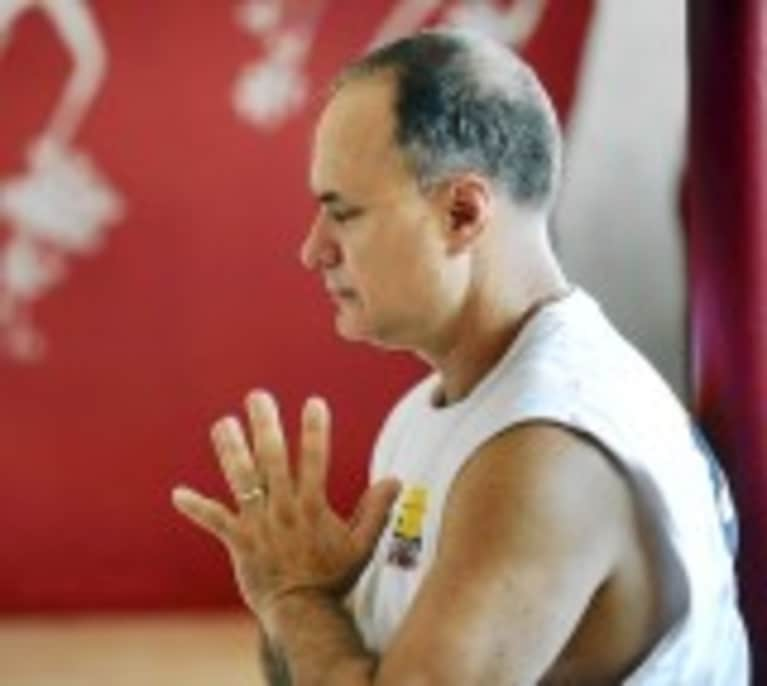 Former Homicide Prosecutor Teaches Yoga to War Veterans