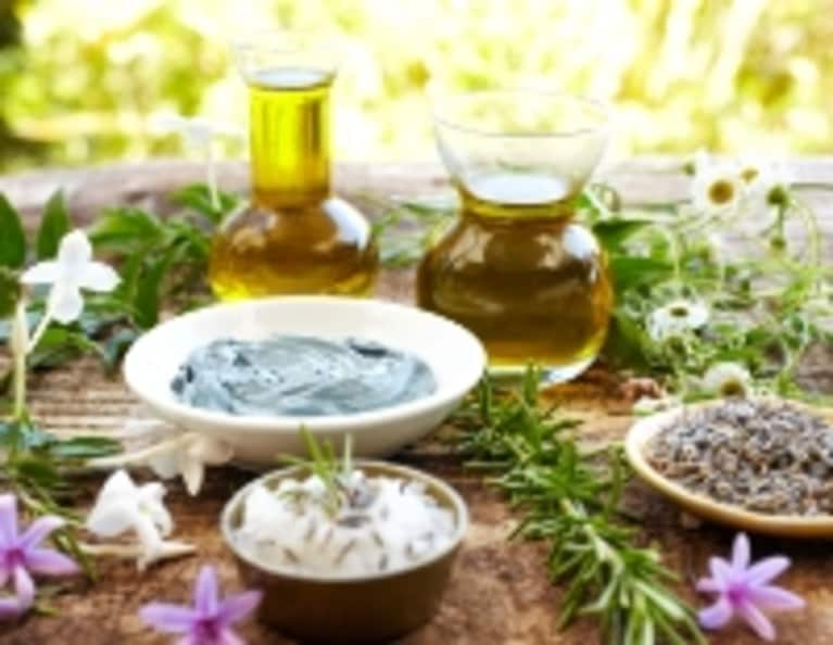 Top 5 Herbs For Glowing & Gorgeous Skin