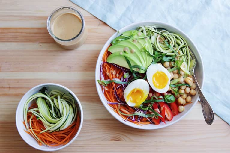 A Zucchini Noodle Bowl That's All About The Peanut Sauce