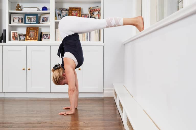This Mom Of 3 Is A Handstand Pro. Here's What She Eats To Stay Strong