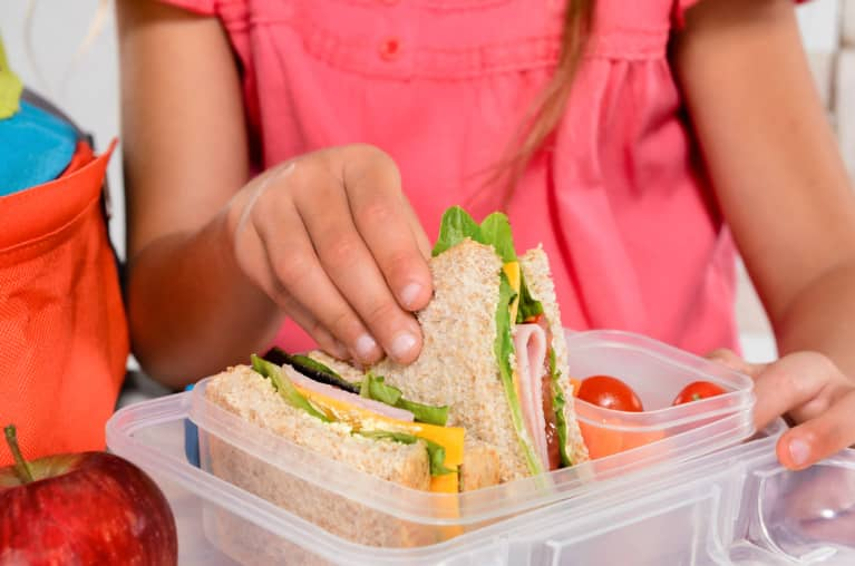 How To Shop For A Mindful School Lunch When You Literally Have No Time