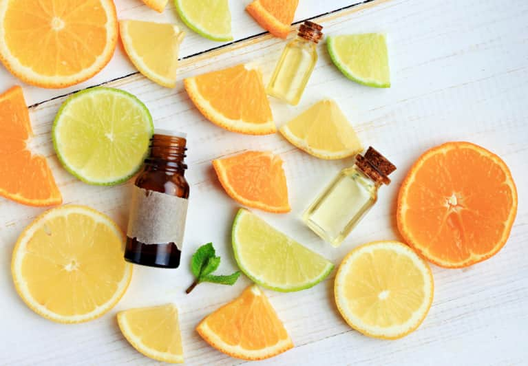 How To Use Essential Oils Guide: Essential Oil Benefits And