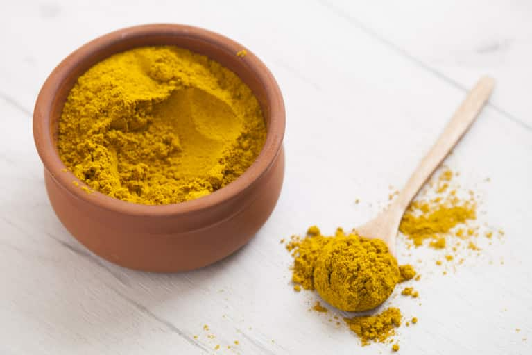 You'll Want To Put This Anti-Inflammatory Turmeric Salad Dressing On Everything