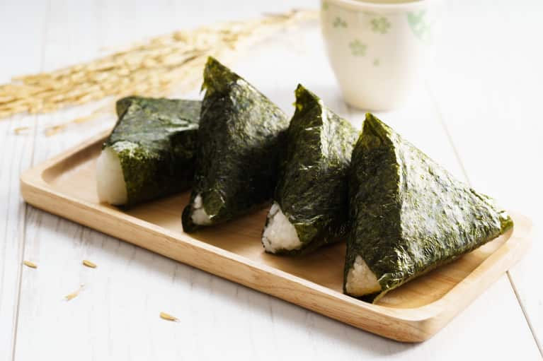 Can You Use Sea Vegetables To Protect Your Thyroid & Balance Hormones?