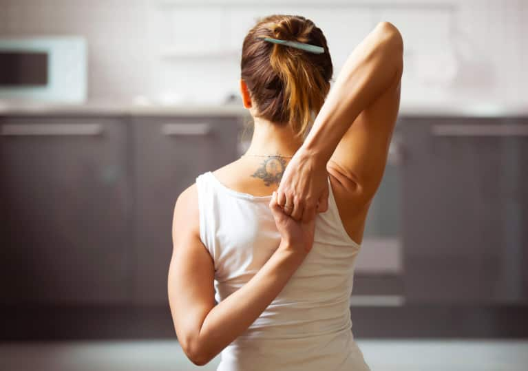This Shoulder Releasing Yoga Routine Eases Tight Shoulders & Tech Neck