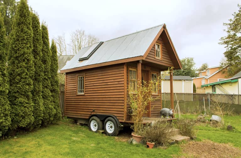 I Live In A 56-Square-Foot Tiny House. Here Are My Top Tips For Decluttering