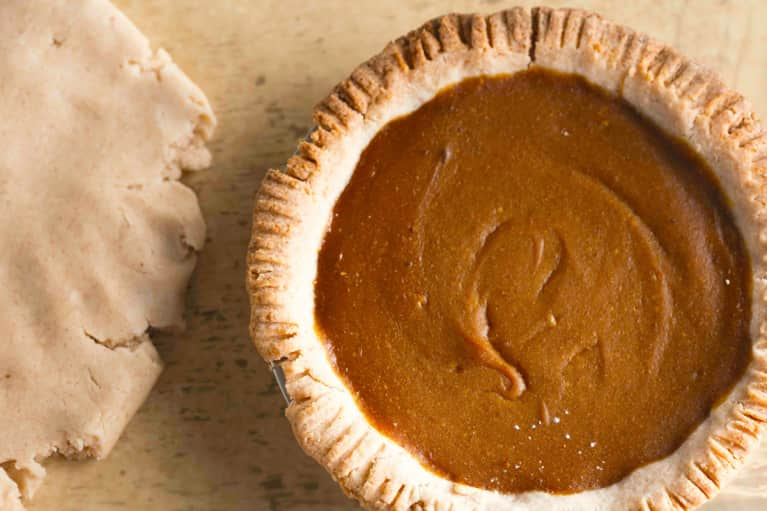How To Make A Pumpkin Pie Healthy Enough To Eat For Breakfast (Plus, It's Vegan & Gluten-Free!)